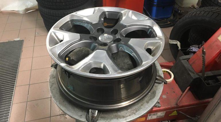 Cambio pneumatici auto: manutenzione ordinaria